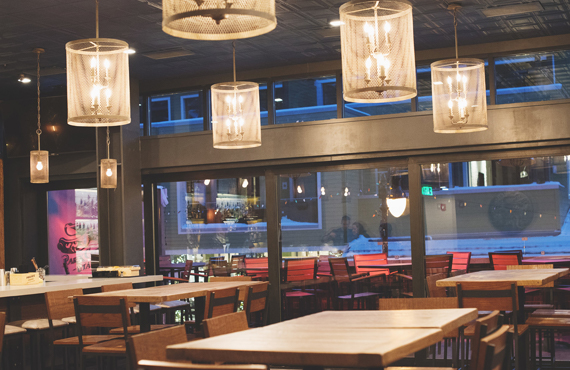 best-nightlife-spur-bar-and-grill-park-city