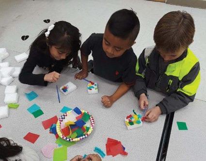 ARTS-KIDS-FOUNDATION-sponge-painting